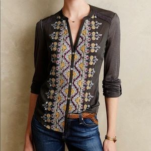 Tiny Anthropologie Sovana embroidered top XS